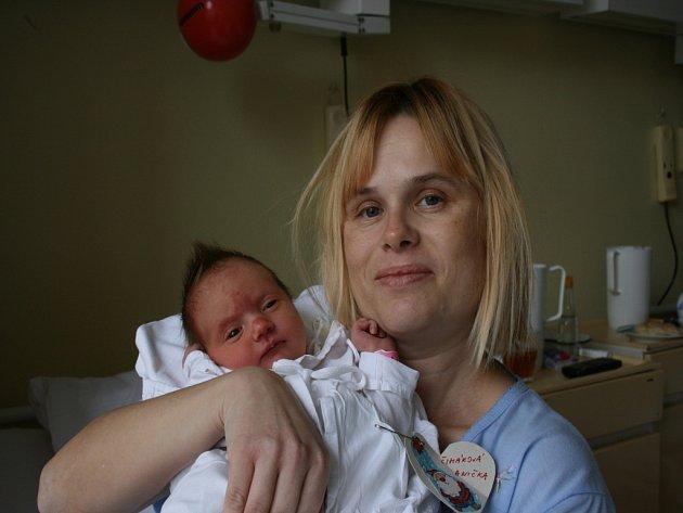 Do rodiny Renaty, Josefa, Verunky a Kristýnky z Dobrovice přibyl nový člen. Anička Čiháková se narodila 30. prosince 2009 v 5.20 hodin.