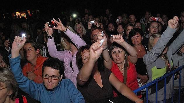 Kapela Kryštof a další skupiny bavily stovky fanoušků v benátecké Loděnici.