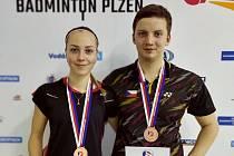 Denisa Šikalová přidala ke stříbru z dívčího debla také bronz z mixu, který hrála po boku Michala Hubáčka
