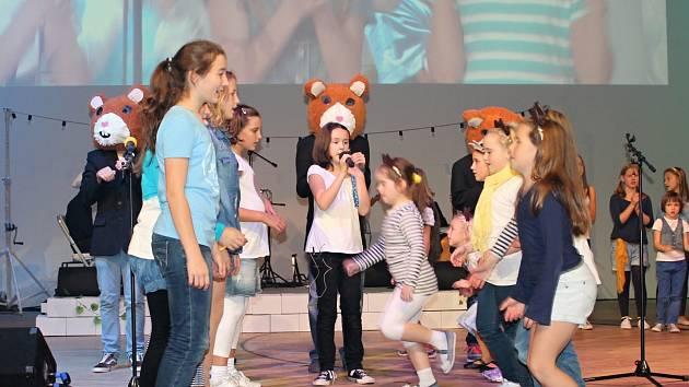 Dětský pěvecký sbor Paprsek odstartoval Dětskou notu 2014.