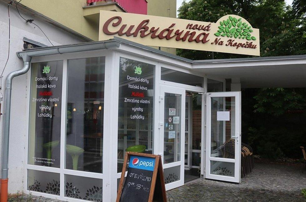 Restaurace se konečně otevřou.