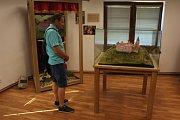 Zřícenina hradu Zvířetice míří na televizní obrazovky. Štáb České televize tu natáčel příspěvek do pořadu Toulavá kamera, a to o projektu Vision21: Ztracený zámek hraběnky Eleonory. Ten mimo jiného představuje dávnou podobu zámku.