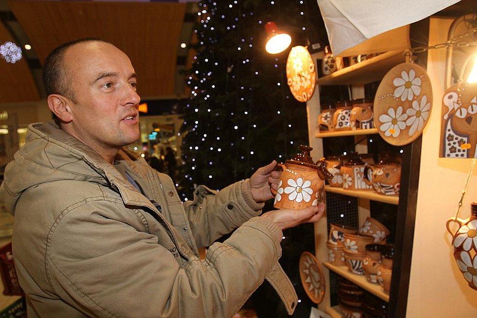 Vánoční trhy v Olympia centru.