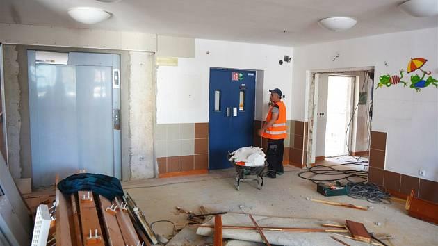 Kompletní rekonstrukcí v těchto dnech prochází pavilon číslo čtyři v Klaudiánově nemocnici.