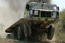 Těžkotonážní vozy zvednou divákům adrenalin.