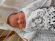 Nela Tůmová se narodila 6. září, vážila 3,88 kg a měřila 51 cm. Maminka Lucie a tatínek René si ji odvezou domů do Mladé Boleslavi, kde už se na ni těší sestřička Eliška.