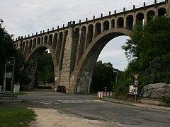 Inkriminovaný most