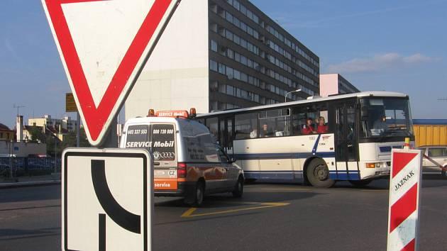 Složitá dopravní situace u Bondy cetra