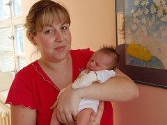 NATÁLIE Thořová se rodičům Šárce Vilímové a Jiřímu Thořovi z Prahy narodila 9. února. Její míry jsou 50 centimetrů a 3150 gramů.