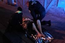 Policisté v noci zachraňovali sebevraha