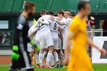 Mladá Boleslav (v bílém) vyhrála na Dukle 2:1.