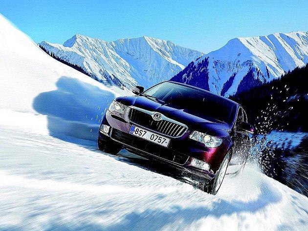 Škoda Superb s pohonem 4x4 si na horách poradí.