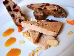 Ke svatomartinským specialitám La Furchette patří také foie gras.
