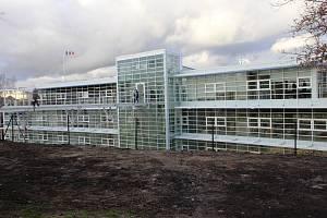 V Mladé Boleslavi vyrostla nevšední budova. Klinika Dr. Pírka se tak rozroste.