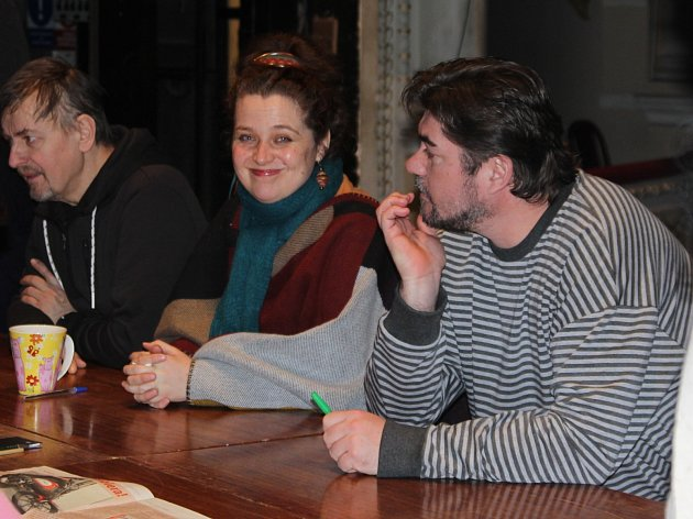 Soubor boleslavského divadla na první čtené zkoušce divadelní hry Ondina