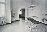 PODOBA druhého operačního sálu přes 1.světovou válkou.