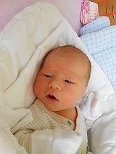 Elizabeta Šťastná se narodila 6. října, vážila 3,41 kg a měřila 49 cm. S maminkou Maruškou a tatínkem Davidem bude bydlet v Loučeni, kde už se na ni těší sestřička Verunka.