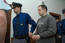 Karel Kubín u soudu dostal za vraždu stařenky 14 let vězení.