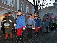 Pochod přátel vojenské historie měl cíl v restauraci U Hymrů.