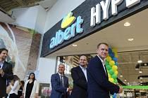 Prodejna v obchodním centru Olympia v Mladé Boleslavi byla první v řadě nově otevřených zrekonstruovaných obchodů.