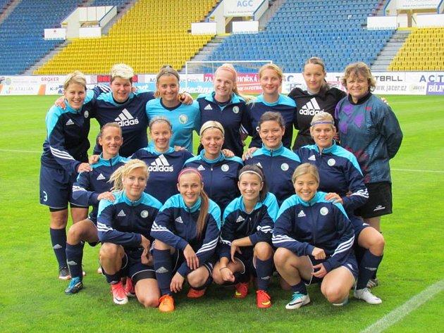 Fotbalistky Sportingu si zahrály na teplických Stínadlech.