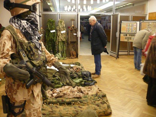 """Výstava """"Češi v Afghánistánu"""" v mladoboleslavském kulturáku."""