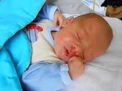 MICHAL OROLÍN se v  Klaudiánově nemocnici v Mladé Boleslavi narodil v pátek 17. června mamince Karolíně. Vážil 3,34 kg a měřil 49 cm.