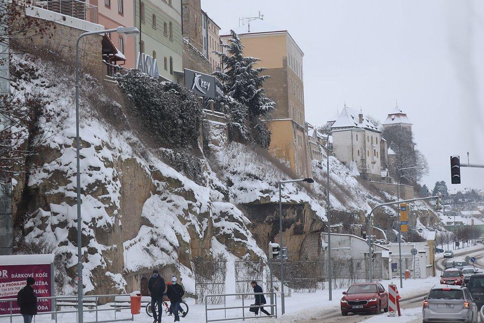 Mladou Boleslav zasypal sníh - panorama podhradí