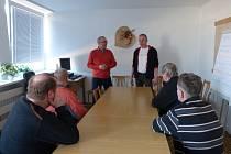 Setkání absolventů prvního kurzu s lektory Radanem Žemličkou a Michalem Walterem