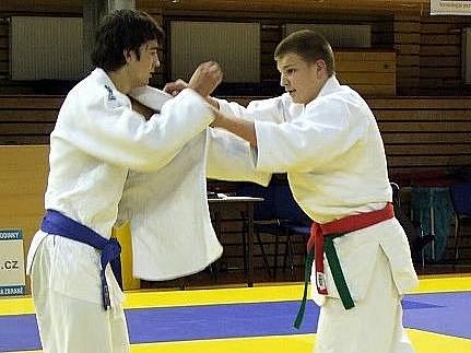 Boleslavský judista Petr Šifalda (vlevo) vybojoval na turnaji v Praze bronz