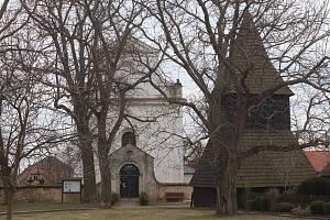 Sudoměř - kostel a zvonice.