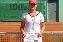 Boleslavská tenistka Klára Vtelenská skončila na celostátním turnaji v Tanvaldě dvakrát druhá.