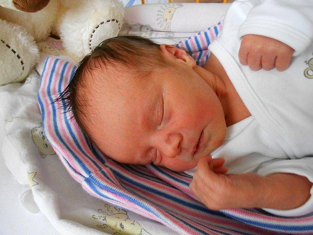 Rozárka Lukešová se narodila 27. června, vážila 2,91 kg a měřila 49 cm. Maminka Markéta a tatínek Jan si ji odvezou domů do Prahy.