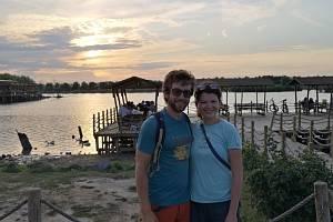 Mladí cestovatelé z Mladé Boleslavi jedou kolem světa stopem.