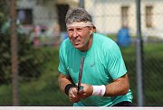 Rekordní počet 25 dvojic se pustil do tenisového turnaje Vrabec Cup, jehož sedmý ročník se uskutečnil na tenisových kurtech v Bakově nad Jizerou.