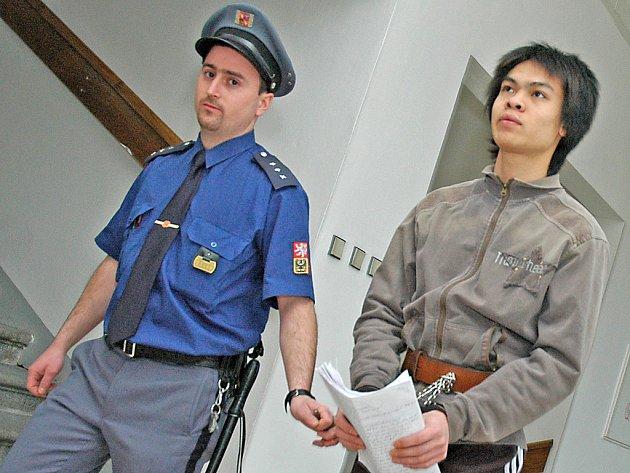 Podezřelý z vraždy na ubytovně v Bradleci Vu Manh Hung.