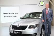 Winfried Vahland během slavnostního zahájení výroby vozu Octavia v Indii.