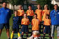 Vítězné benátecké družstvo se svými trenéry.