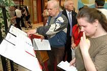 Ilustrační foto. Mladoboleslavský úřad práce pomáhá dlouhodobě nezaměstnaným shánět zaměstnání.