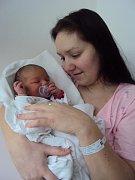 MIA Mitráš se narodila 4. února mamince Anetě a tatínkovi Michaelovi z Mladé Boleslavi. Vážila 3,92 kilogramů a měřila rovných 50 centimetrů.