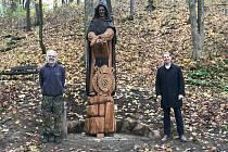 Hradiště má v lesoparku sochu mnicha