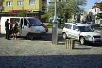 Neposlušnou posádku vozidla zastavili strážníci na třídě T. G. Masaryka.