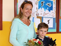 Účastnice dokureality Ivana Lustyková Dočekalová se synem Jakubem a psem Majkím.