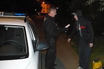 Strážníci zadrželi hledaného muže