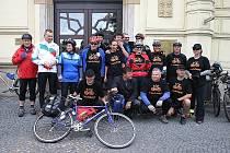 Start cyklovýletu boleslavských, slovenských a finského cyklisty.