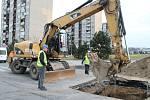 V ulici Jana Palacha se v současnosti koná první etapa rekonstrukcí. Ty si vyžádaly úplnou uzavírku celé ulice. Výsledkem by měla být celková rekonstrukce povrchu a inženýrských sítí.