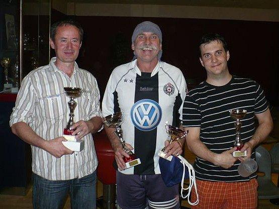 Nejlepší trojice z bowlingového turnaje: (odleva) Emil Krubert, Pavlín Jirků, Petr Fanta