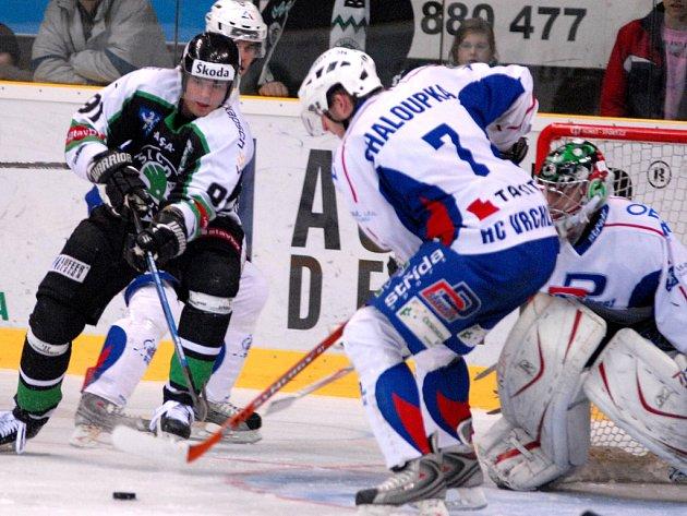 Richard Král (vlevo) povede boleslavské hokejisty jako kapitán do prvního měření sil se Spartakem Moskva.