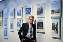 Miroslav Šebela, syn cestovatele Lubomíra Šebely, zahájil výstavu a zavzpomínal na svého otce.