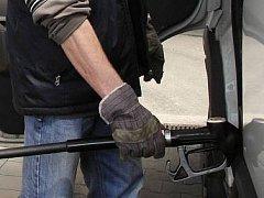 Zloději pohonných hmot jsou všude
